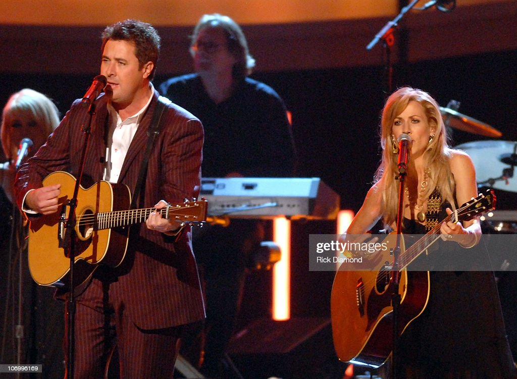 Vince Gill with Sheryl Crow perform 'What You Give Away'