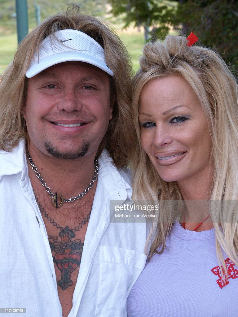 tj martell foundation golf tournament hosted by vince neil. Black Bedroom Furniture Sets. Home Design Ideas