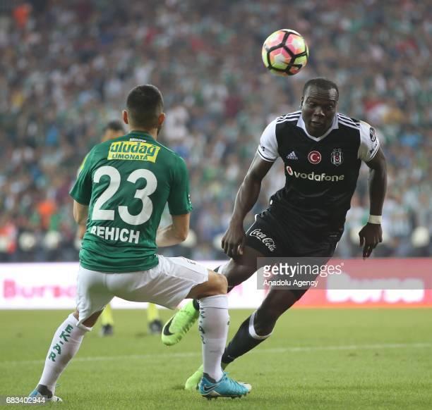 Vincent Aboubakar of Besiktas in action during the Turkish Spor Toto Super Lig soccer match between Bursaspor and Besiktas at the Timsah Arena in...