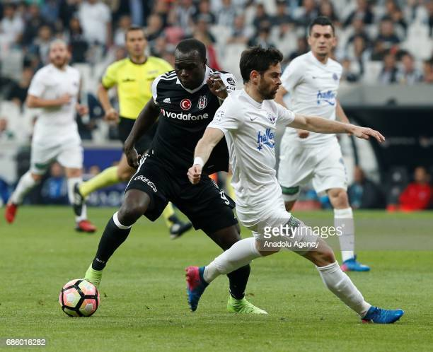 Vincent Aboubakar of Besiktas in action during the Turkish Spor Toto Super Lig soccer match between Besiktas and Kasimpasa at the Vodafone Arena in...
