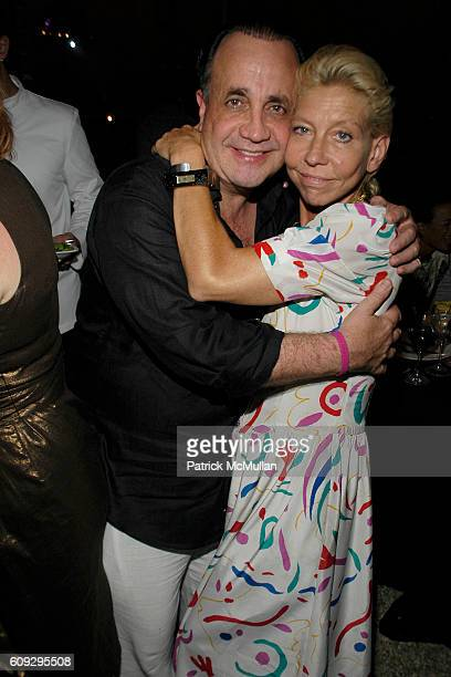 Vincent and Lisa de Kooning attend VOOM Zoo The14th Annual WATERMILL CENTER Summer Benefit at The Watermill Center on July 28 2007 in Watermill NY