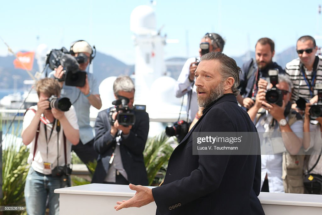 Vincent Cassel attends the 'It's Only The End Of The World (Juste La Fin Du Monde)' Photocall during the 69th annual Cannes Film Festival at the Palais des Festivals on May 19, 2016 in Cannes, France.