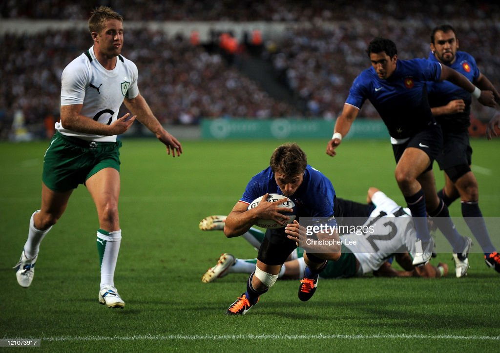 <a gi-track='captionPersonalityLinkClicked' href=/galleries/search?phrase=Vincent+Clerc&family=editorial&specificpeople=235795 ng-click='$event.stopPropagation()'>Vincent Clerc</a> of France scores their first try during the international friendly between France and Ireland at Stade Chaban-Delmas on August 13, 2011 in Bordeaux, France.