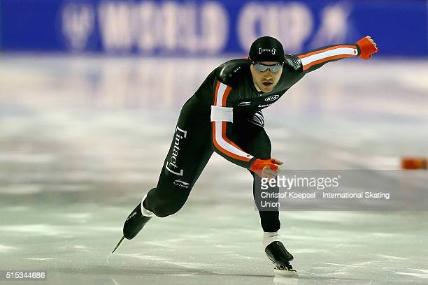 Vincent de Haitre of Canada skates during the 1000m men Divison A race during day 2 of ISU Speed Skating World Cup Final at Thialf Ice Arena on March...