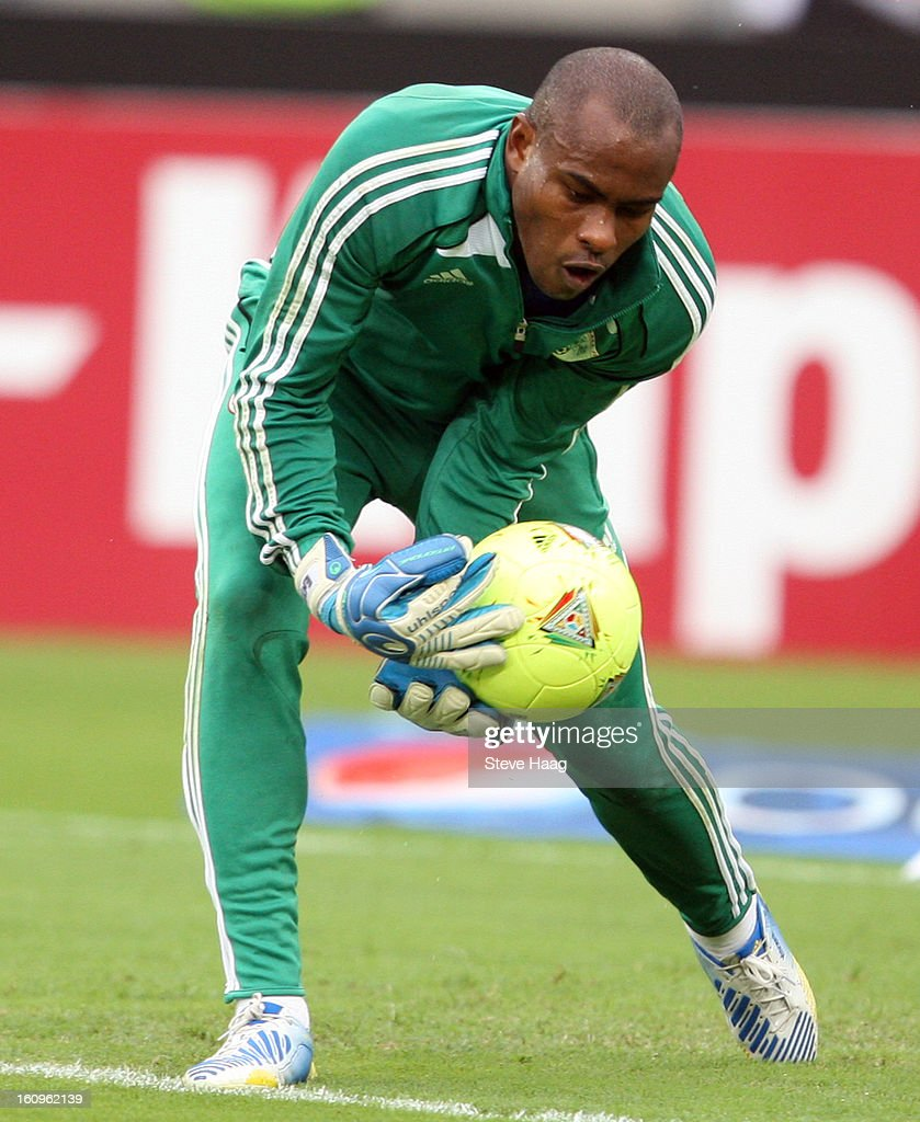 Vincent Enyeama G/K of Nigeria during the 2013 African Cup of Nations Semi-Final match between Mali and Nigeria at Moses Mahbida Stadium on February 06, 2013 in Durban, South Africa.