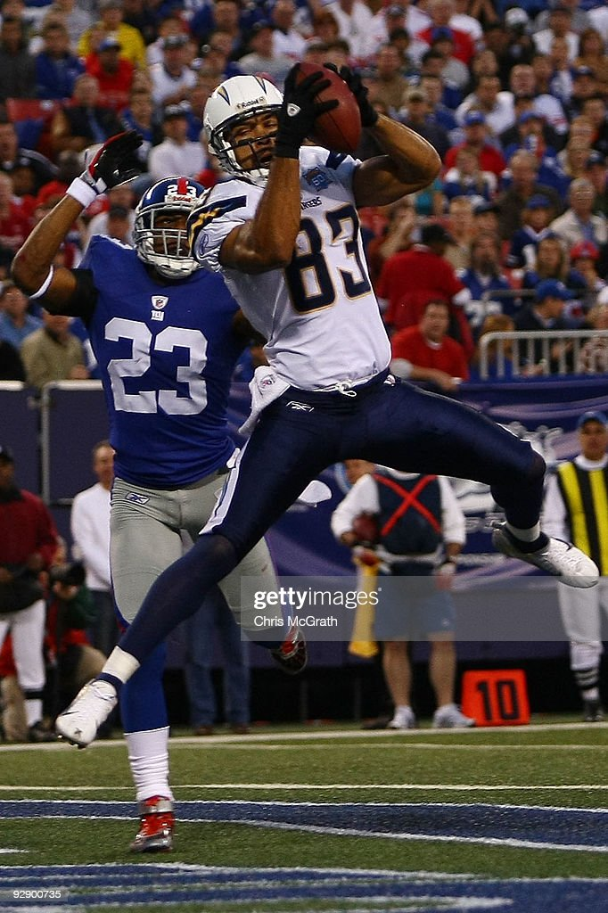 Vincent Jackson of the San Diego Chargers makes a touchdown catch under pressure from Corey Webster of the the New York Giants on November 8 2009 at...