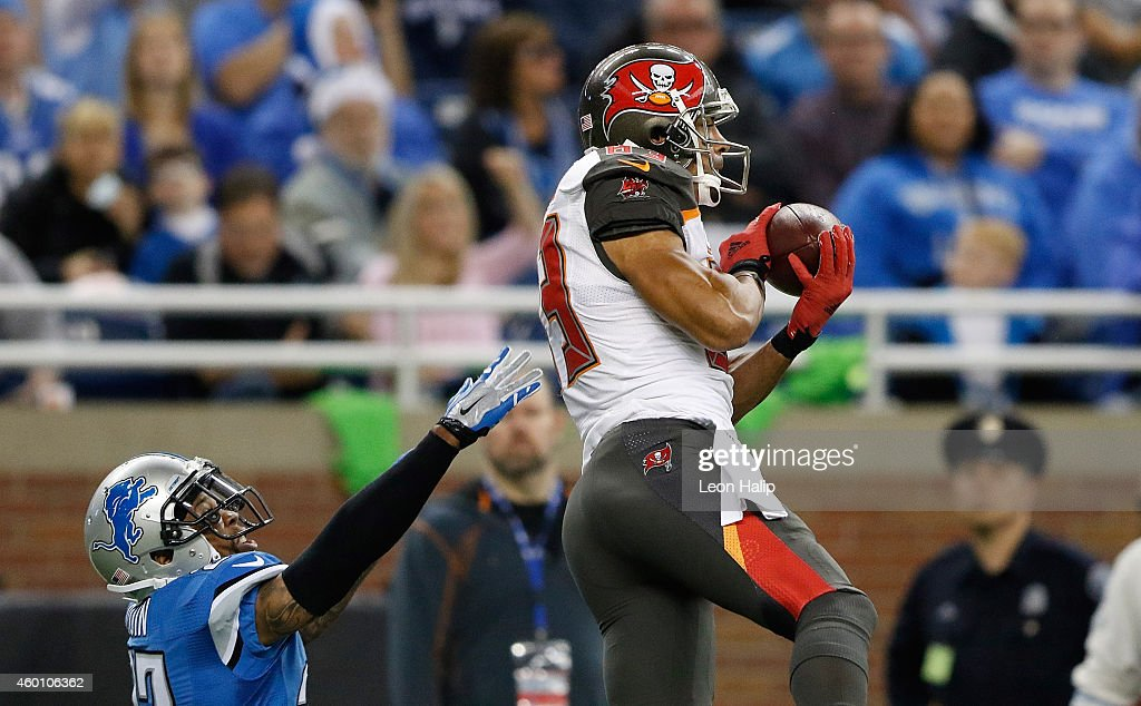 Vincent Jackson of the Tampa Bay Buccaneers makes a first down catch during the second quarter of the game against the Detroit Lions at Ford Field on...