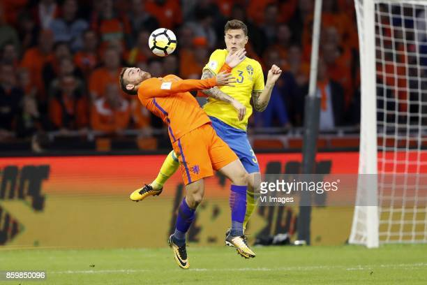 Vincent Janssen of Holland Victor Lindelof of Sweden during the FIFA World Cup 2018 qualifying match between The Netherlands and Sweden at the...