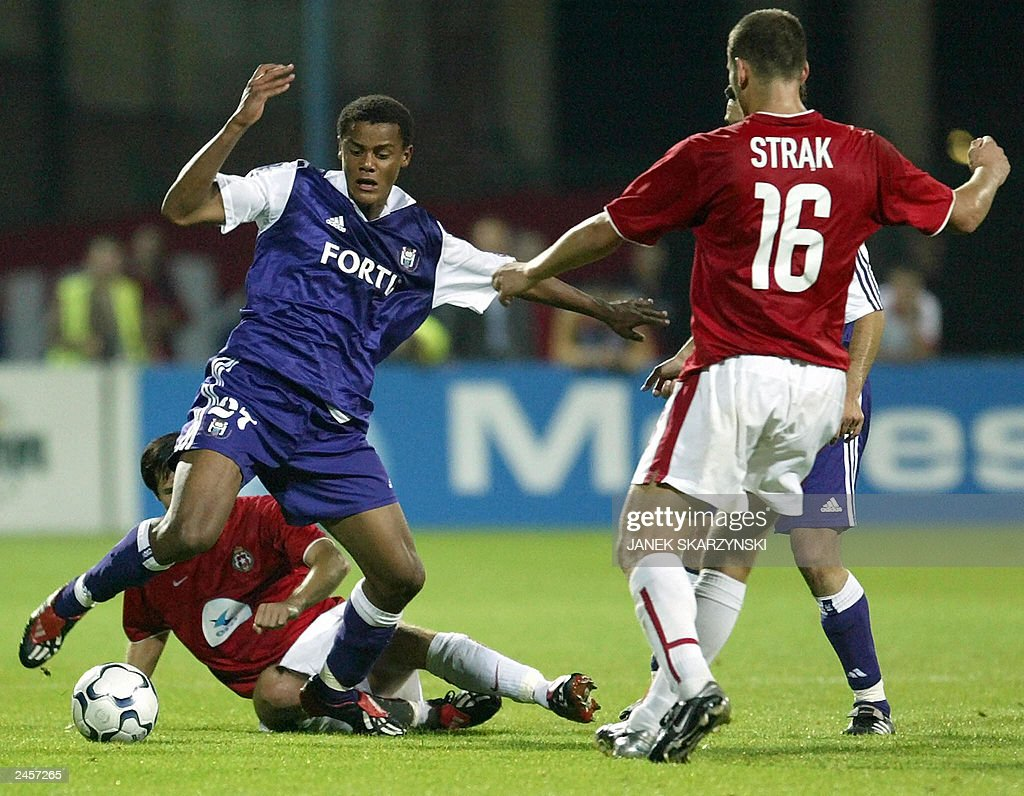Vincent Kompany C from Anderlecht figh