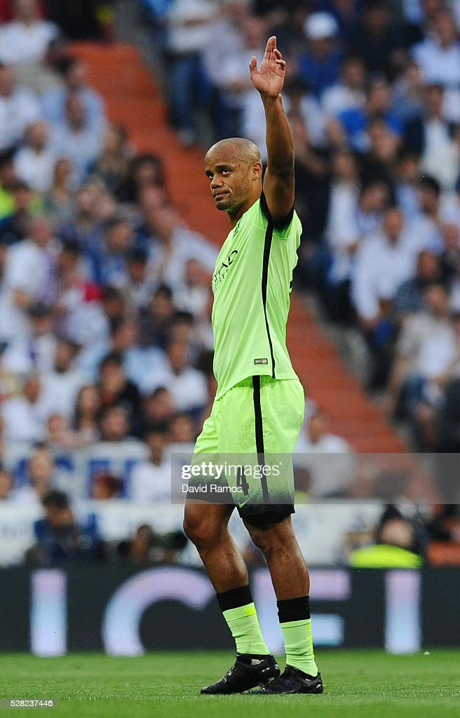 <a gi-track='captionPersonalityLinkClicked' href=/galleries/search?phrase=Vincent+Kompany&family=editorial&specificpeople=504694 ng-click='$event.stopPropagation()'>Vincent Kompany</a> of Manchester City leaves the field after suffering from an injury during the UEFA Champions League semi final, second leg match between Real Madrid and Manchester City FC at Estadio Santiago Bernabeu on May 4, 2016 in Madrid, Spain.