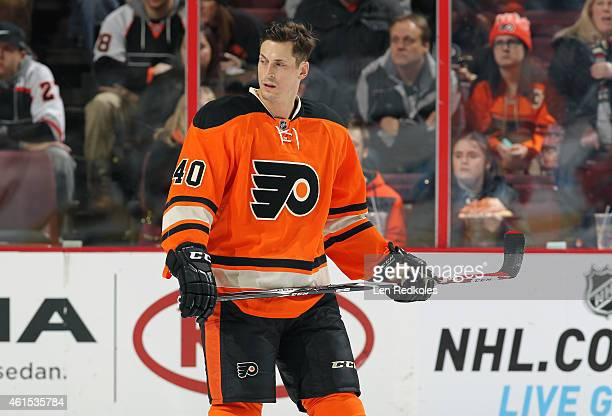 Vincent Lecavalier of the Philadelphia Flyers warms up prior to his game against the Boston Bruins on January 10 2015 at the Wells Fargo Center in...