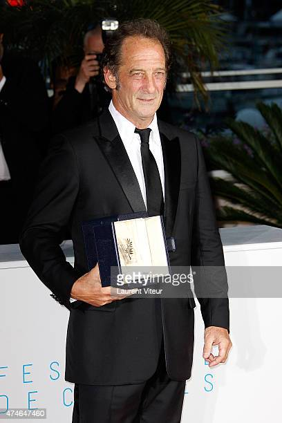 Vincent Lindon winner of the Best Performance by an Actor in 'The Measure of a Man' attends the 'Palm D'Or Winners' photocall during the 68th annual...