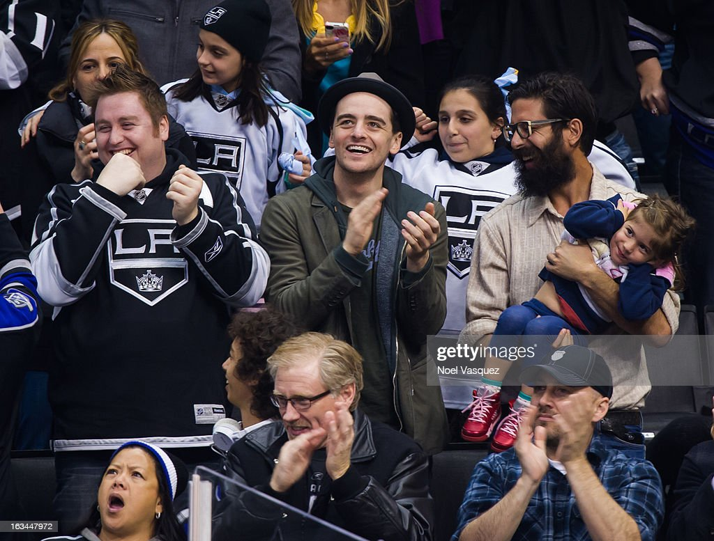 <a gi-track='captionPersonalityLinkClicked' href=/galleries/search?phrase=Vincent+Piazza&family=editorial&specificpeople=2083910 ng-click='$event.stopPropagation()'>Vincent Piazza</a> attends a hockey game between the Calgary Flames and Los Angeles Kings at Staples Center on March 9, 2013 in Los Angeles, California.