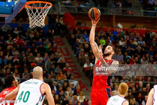 Vincent Poirier #17 of Baskonia Vitoria Gasteiz in action during the 2017/2018 Turkish Airlines EuroLeague Regular Season Round 11 game between...