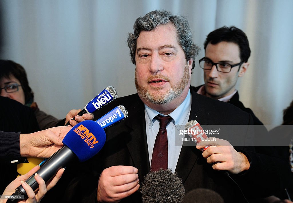 Vincent Pomarede, curator of the exhibition of the Louvre-Lens Museum, speaks to journalists on February 8, 2013 in the French northern city of Lens, after a woman vandalized on the eve the Eugene Delacroix masterpiece 'La Liberté guidant le Peuple' (Liberty leading the people, by writing on it 'AE911' with a black permanent marker on the painting.