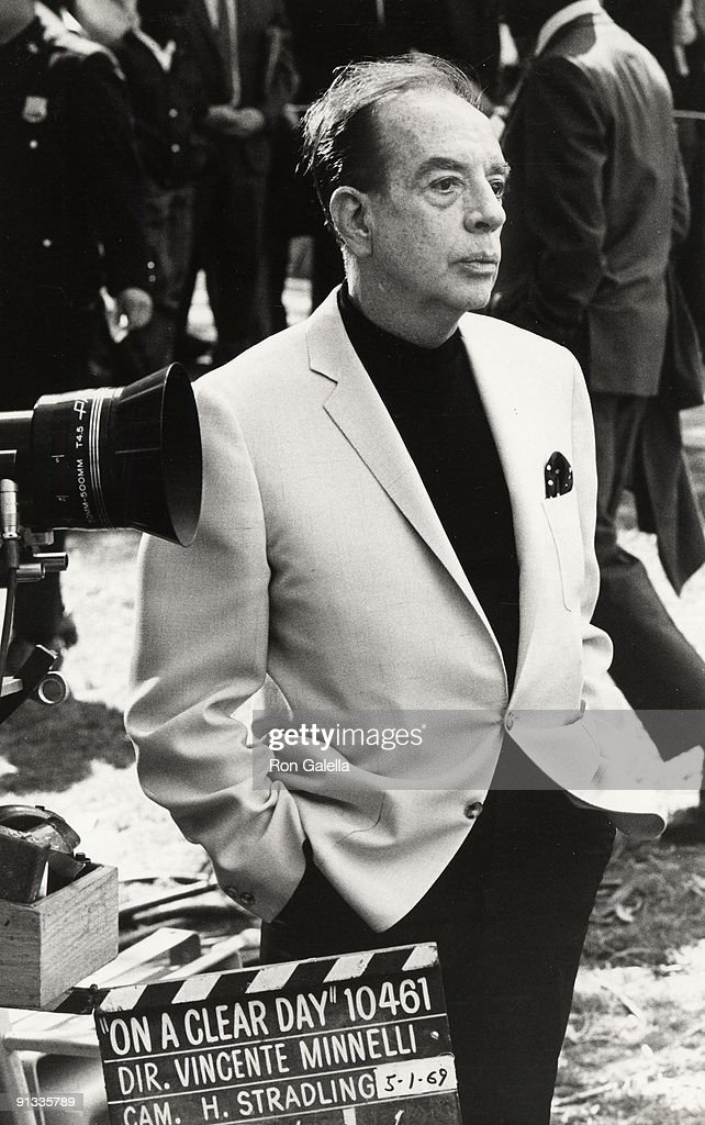 <a gi-track='captionPersonalityLinkClicked' href=/galleries/search?phrase=Vincente+Minnelli&family=editorial&specificpeople=628172 ng-click='$event.stopPropagation()'>Vincente Minnelli</a>