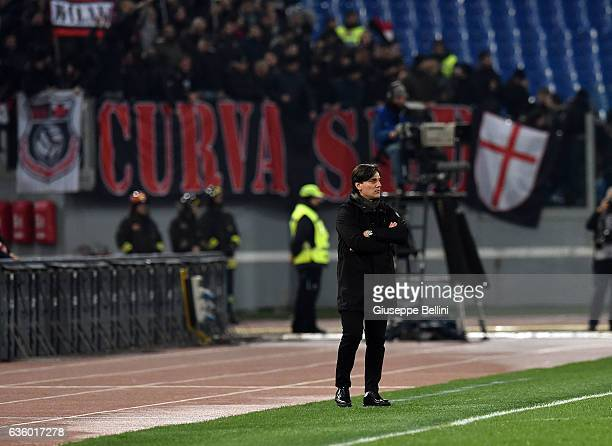 Vincenzo Montella head coach of AC Milan during the Serie A match between AS Roma and AC Milan at Stadio Olimpico on December 12 2016 in Rome Italy