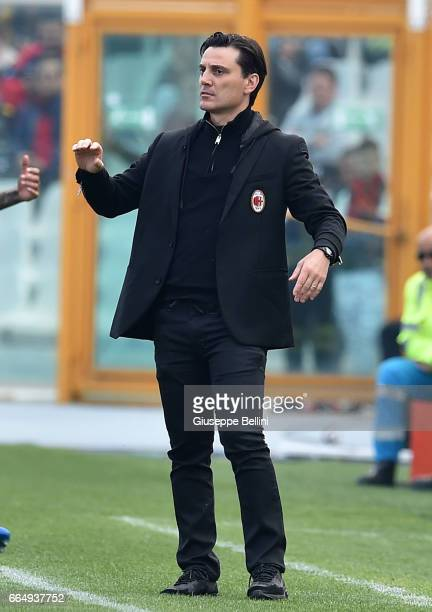 Vincenzo Montella head coach of AC Milan during the Serie A match between Pescara Calcio and AC Milan at Adriatico Stadium on April 2 2017 in Pescara...