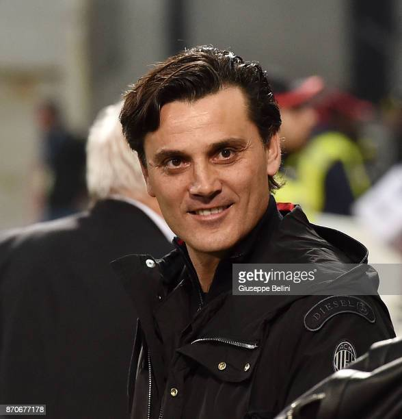 Vincenzo Montella head coach of AC Milan during the Serie A match between US Sassuolo and AC Milan at Mapei Stadium Citta' del Tricolore on November...