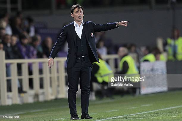 Vincenzo Montella head coach of ACF Fiorentina shouts instructions to his players during the Serie A match between ACF Fiorentina and Hellas Verona...