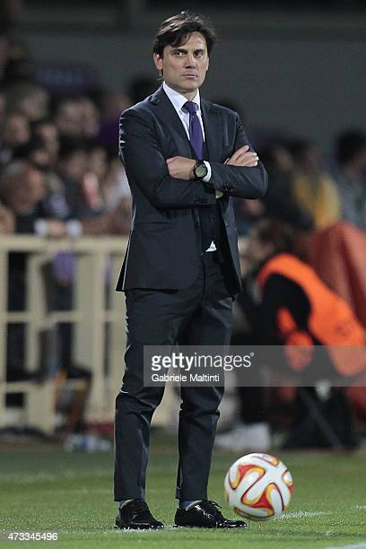 Vincenzo Montella manager of ACF Fiorentina shows his dejection during the UEFA Europa League Semi Final match between ACF Fiorentina and FC Sevilla...