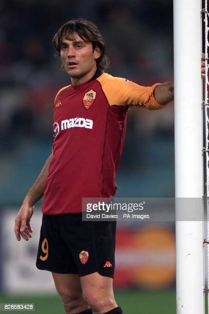 Vincenzo Montella of AS Roma in action during Arsenal's 31 victory against Roma in the UEFA Champions League Group B second round match at the...