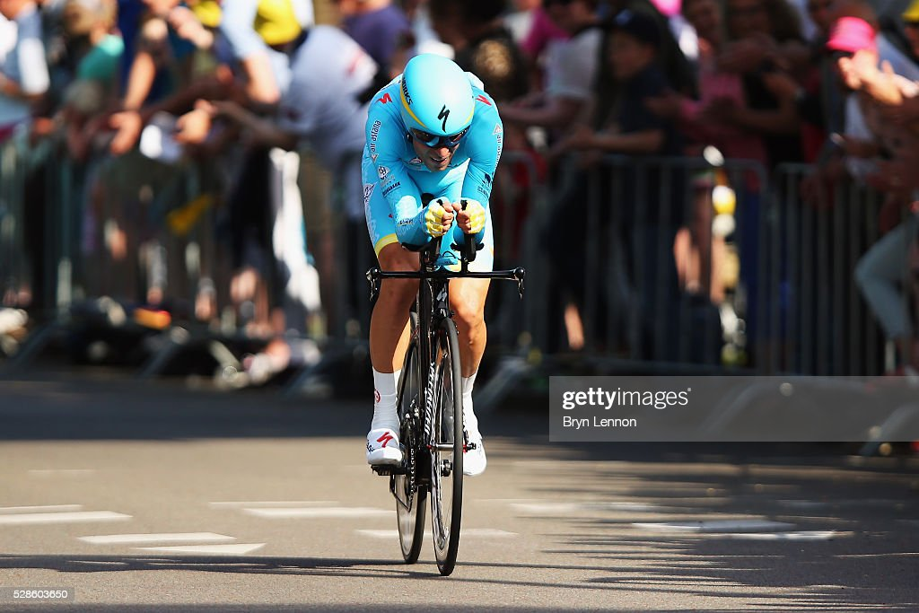 Vincenzo Niabli of Italy and the Astana Pro Team in action on stage one of the 2016 Giro, a 9.8km individual time-trial through Apeldoorn on May 06, 2016 in Apeldoorn, Netherlands.