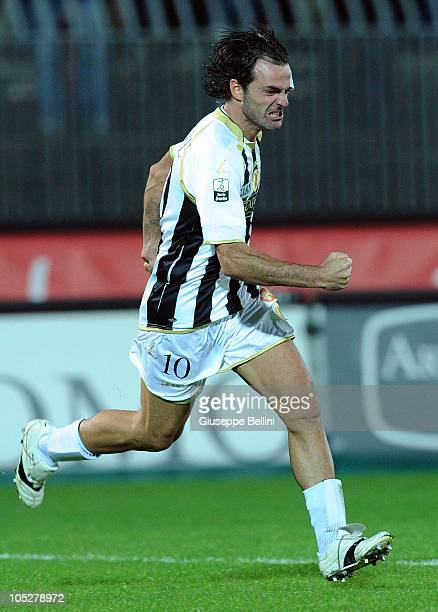 Vincenzo Sommese of Ascoli celebrates after scoring the 11 equalising goal during the Serie B match between Ascoli Calcio and FC Crotone at Stadio...