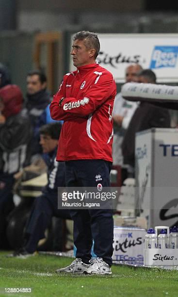 Vincenzo Torrente head coach of Bari during the Serie B match between Reggina Calcio and AS Bari at Stadio Oreste Granillo on October 9 2011 in...