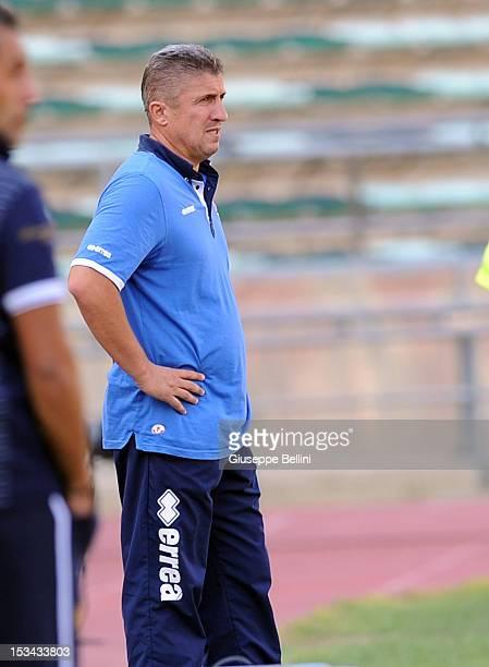 Vincenzo Torrente head coach of Bari during the Serie B match between AS Bari and Ternana Calcio at Stadio San Nicola on September 9 2012 in Bari...
