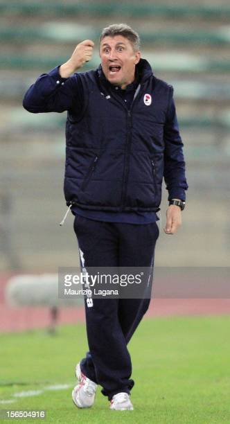 Vincenzo Torrente head coah of Bari during the Serie B match between AS Bari and Reggina Calcio at Stadio San Nicola on November 12 2012 in Bari Italy