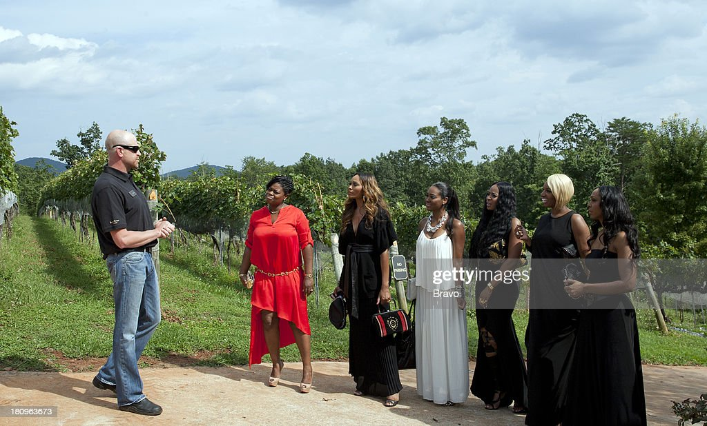ATLANTA -- 'Vineyard Visit -- Pictured: (l-r) Vineyard staff, Lexis Mason, Marlo Hampton, Cynthia Bailey, Kenya Moore, Marlo Hampton, NeNe Leakes, Malorie Bailey Massie --