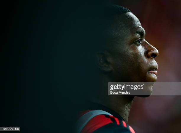 Vinicius Jr of Flamengo looks on during a match between Flamengo and Atletico MG part of Brasileirao Series A 2017 at Maracana Stadium on May 13 2017...