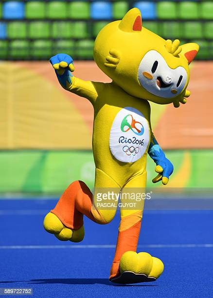 Vinicius the mascot of the Olympic games dance on the pitch during the women's quarterfinal field hockey USA vs Germany match of the Rio 2016...