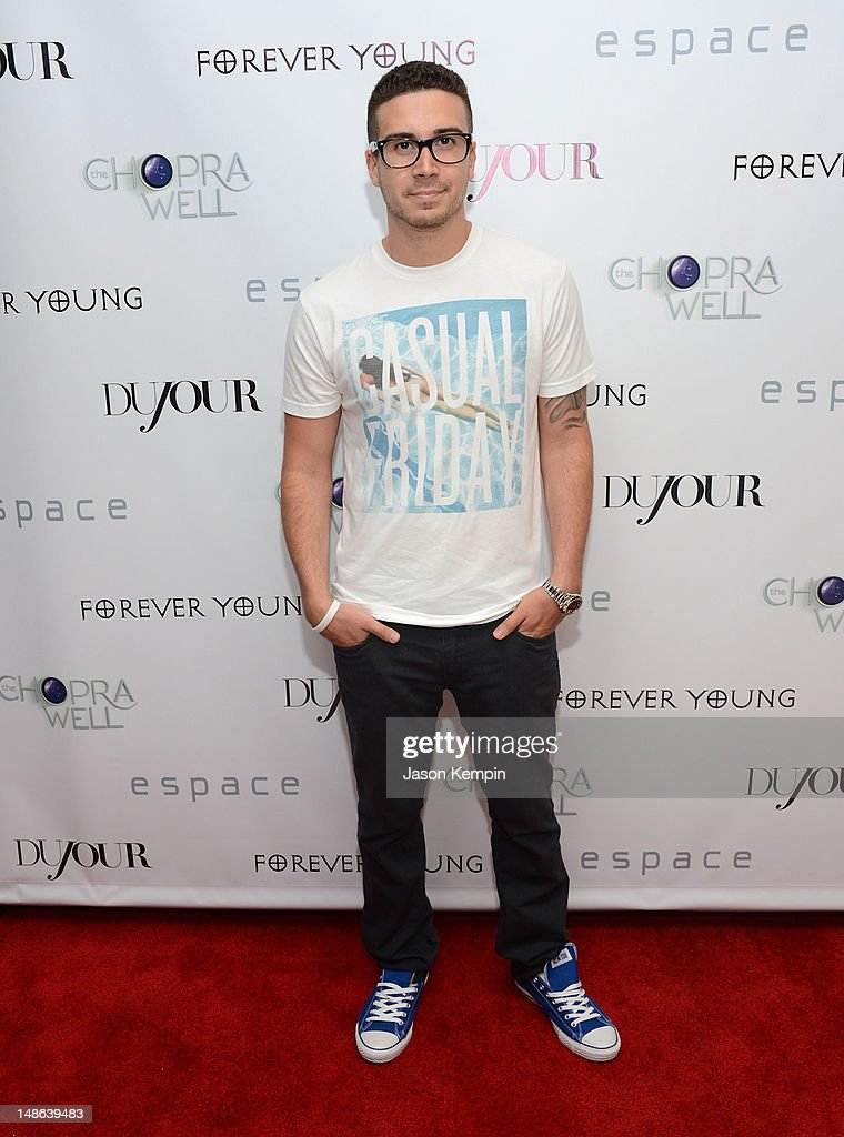 <a gi-track='captionPersonalityLinkClicked' href=/galleries/search?phrase=Vinny+Guadagnino&family=editorial&specificpeople=6693900 ng-click='$event.stopPropagation()'>Vinny Guadagnino</a> attends The Chopra Well Launch Event at Espace on July 18, 2012 in New York City.