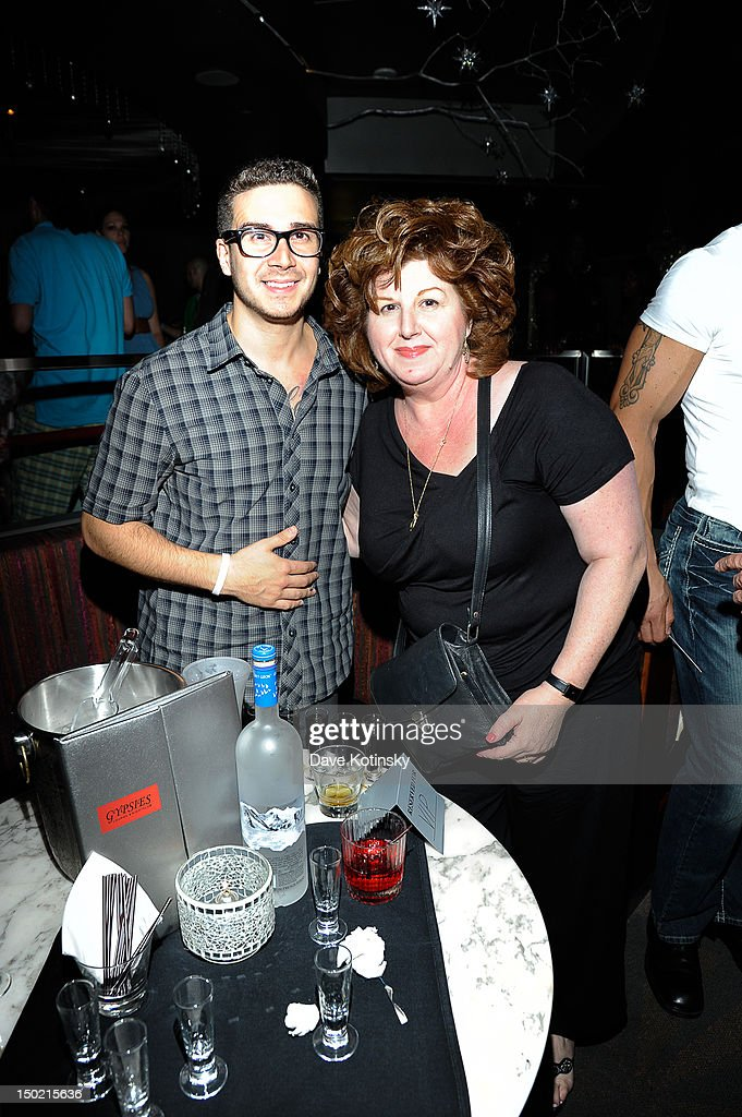<a gi-track='captionPersonalityLinkClicked' href=/galleries/search?phrase=Vinny+Guadagnino&family=editorial&specificpeople=6693900 ng-click='$event.stopPropagation()'>Vinny Guadagnino</a> From Jersey Shore hosts and his mother at Gypsies Lounge on August 12, 2012 in Mount Pocono, Pennsylvania.