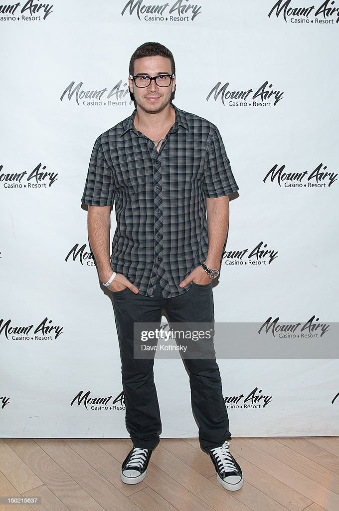 Vinny Guadagnino From Jersey Shore hosts at Gypsies Lounge on August 12, 2012 in Mount Pocono, Pennsylvania.