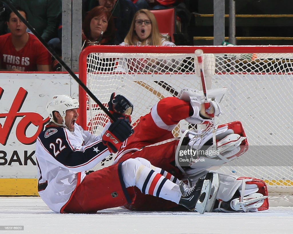 Vinny Prospal of the Columbus Blue Jackets celebrates scoring the gamewinning goal with less than a minute left to play against Jimmy Howard of the...