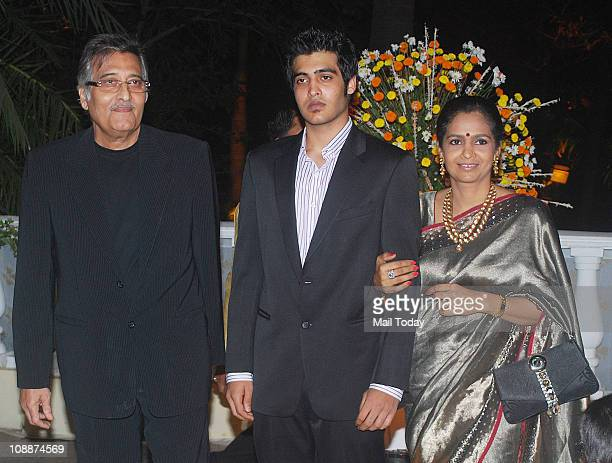 Vinod Khanna with wife Kavita at Imran Khan and Avantika Malik's wedding reception party which was organised by Aamir Khan and Kiran Rao at Taj Lands...
