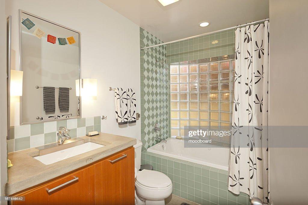 Vintage Bathroom : Stock Photo
