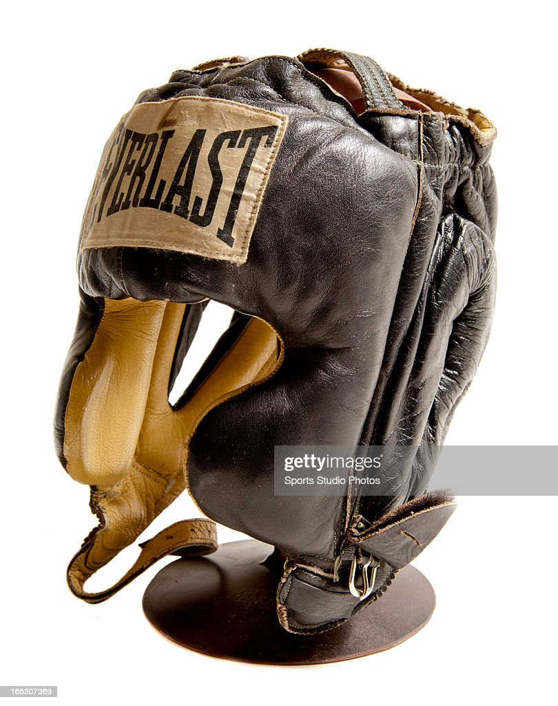 Vintage Boxing Headgear. 1940's Everlast brand vintage boxing headgear. Pro-model headgear with original chinstrap.