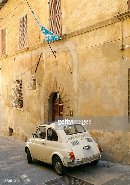 Vintage italiano auto Fiat 500 Scena urbana