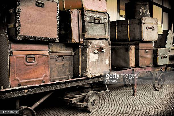 Vintage Gepäck auf eine Eisenbahn-Plattform.