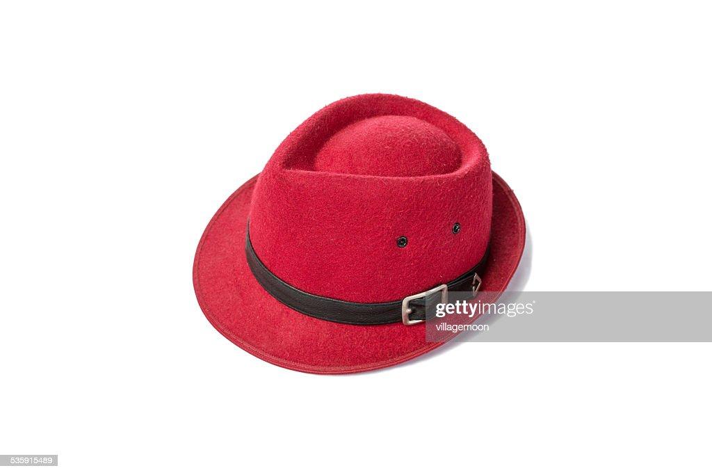 vintage rojo sombrero sobre fondo blanco : Foto de stock