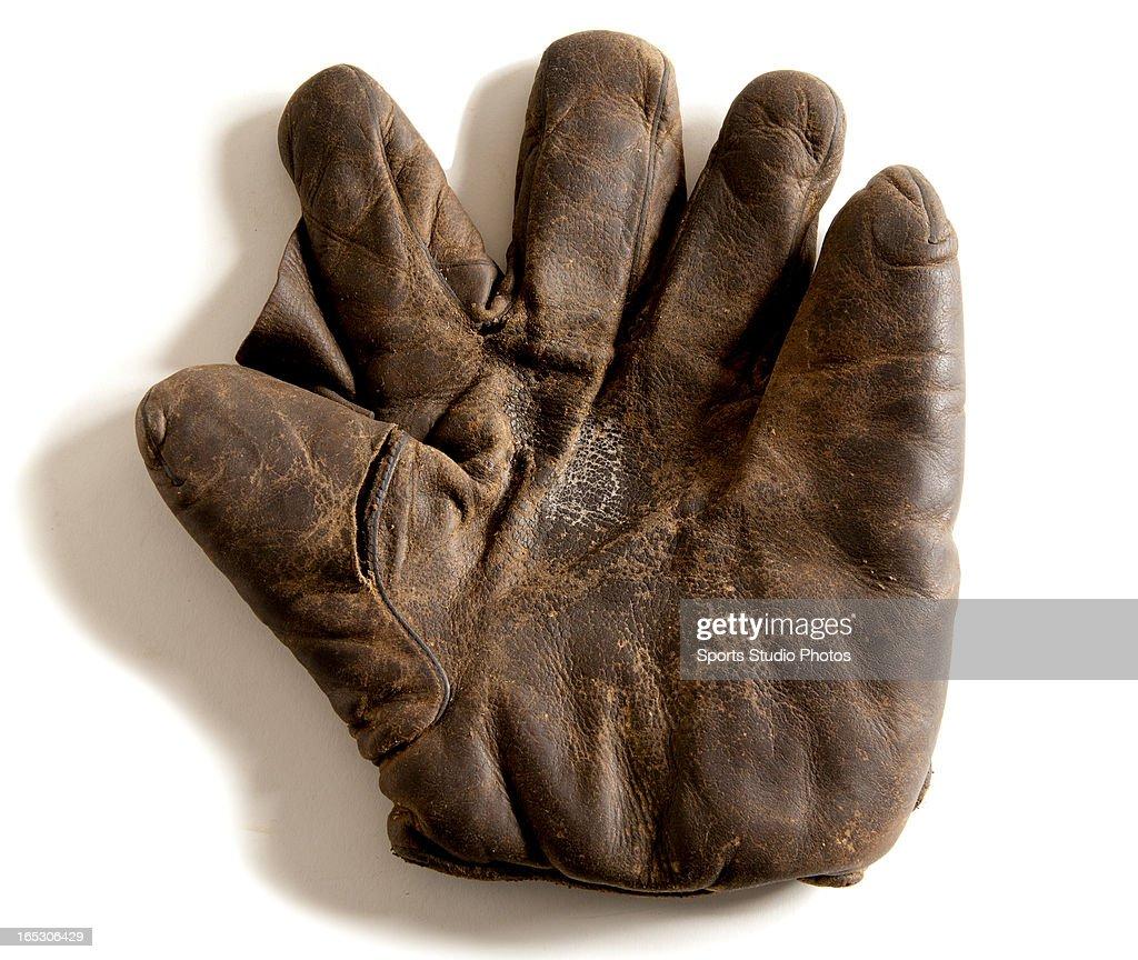 Vintage Spalding Baseball Glove. Classic vintage Spalding fielder's glove. Rich dark brown leather with original patina.