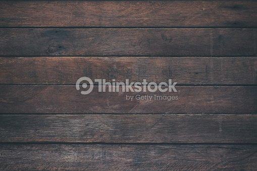 Table en bois surface vintage et fond de texture grain rustique. Gros mur rustique foncé de texture de planches vieille table en bois. Table rustique en bois brun texture fond modèle pour votre conception. : Photo