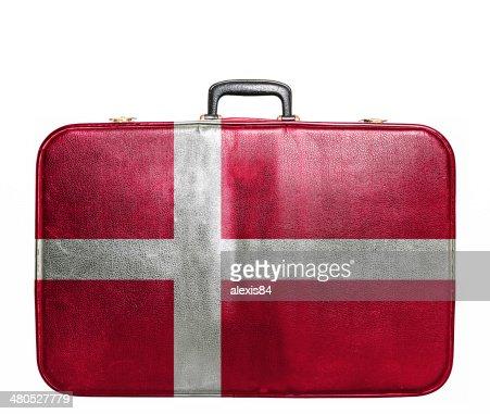 ビンテージ旅行バッグにデンマークの旗 : ストックフォト