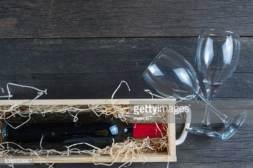 Vintage wooden wine case with bottle : Stock Photo