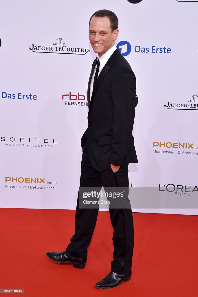 <a gi-track='captionPersonalityLinkClicked' href=/galleries/search?phrase=Vinzenz+Kiefer&family=editorial&specificpeople=2093667 ng-click='$event.stopPropagation()'>Vinzenz Kiefer</a> attends the Lola - German Film Award (Deutscher Filmpreis) on May 27, 2016 in Berlin, Germany.