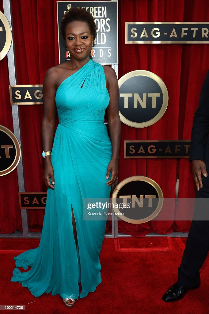 <a gi-track='captionPersonalityLinkClicked' href=/galleries/search?phrase=Viola+Davis&family=editorial&specificpeople=653789 ng-click='$event.stopPropagation()'>Viola Davis</a> arrives at the 19th Annual Screen Actors Guild Awards held at The Shrine Auditorium on January 27, 2013 in Los Angeles, California.
